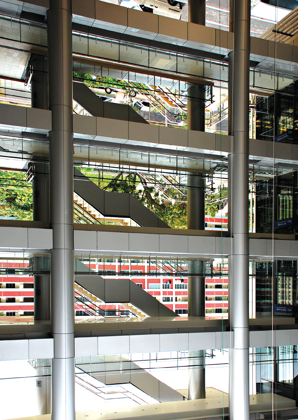 Daylit Naturally Ventilated Singapore Hospital