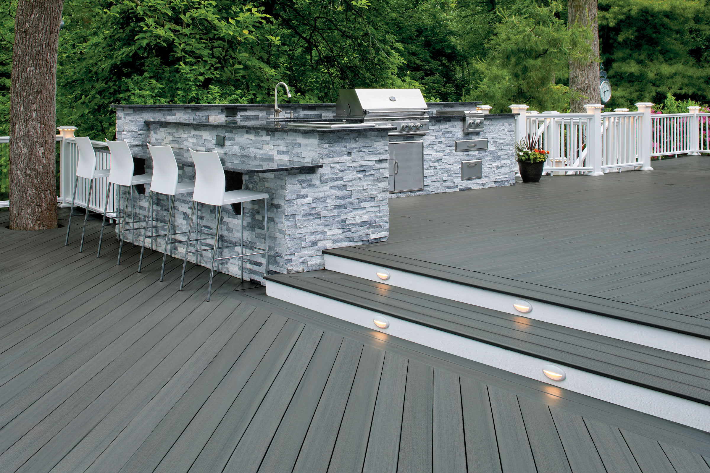 4 Simple Deck Ideas From Experts Across the Industry